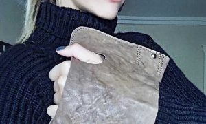 natalis blog Νάταλι Θάνου δερμάτινη τσάντα γάντι